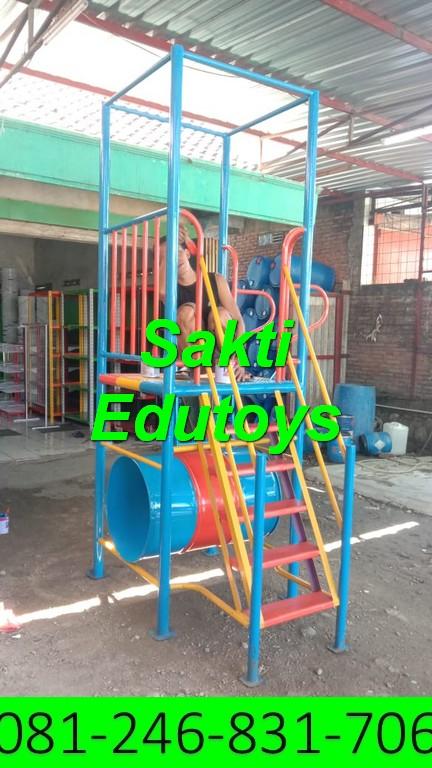 Pengiriman satu unit playground dan Jungkat-jungkit ke Surabaya dengan selamat